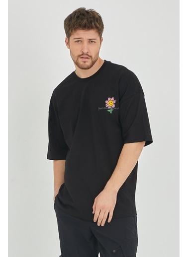 XHAN Kırmızı Önür & Arkası Baskılı Oversize T-Shirt 1Kxe1-44630-04 Siyah